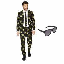 Heren carnavalsoutfit batman kleding maat 50 (l) gratis zonnebri