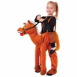 Paarden stap in carnavalsoutfit kleding kinderen