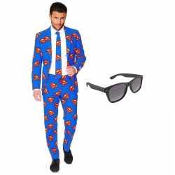 Superman mannen carnavalsoutfit maat 58 (xxxxl) gratis zonnebril